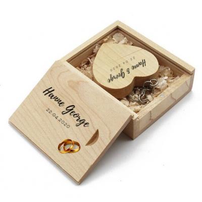 Hout hart usb stick en hout doos met logo. Vanaf 5 stuks