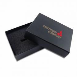 Zwart geschenkdoos (met deksel) met logo